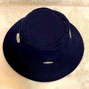 KATE SPADE detachable button bucket hat in navy blue